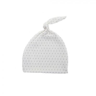 Novorodenecká čiapka biela so šedými bodkami